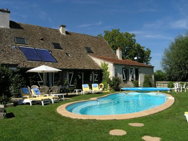 Le chauffe eau solaire pour la piscine for Eau piscine